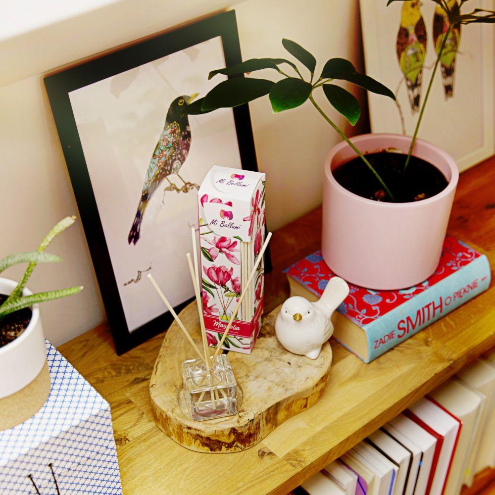 dyfuzor_classic_magnolia_na_drewnianym_blacie